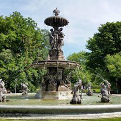 Stadtparkbrunnen - Foto: Imre Szebényi